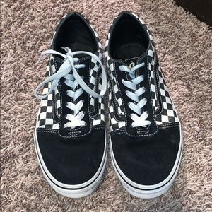 🌟MOVING SALE🌟 lightly used checked vans